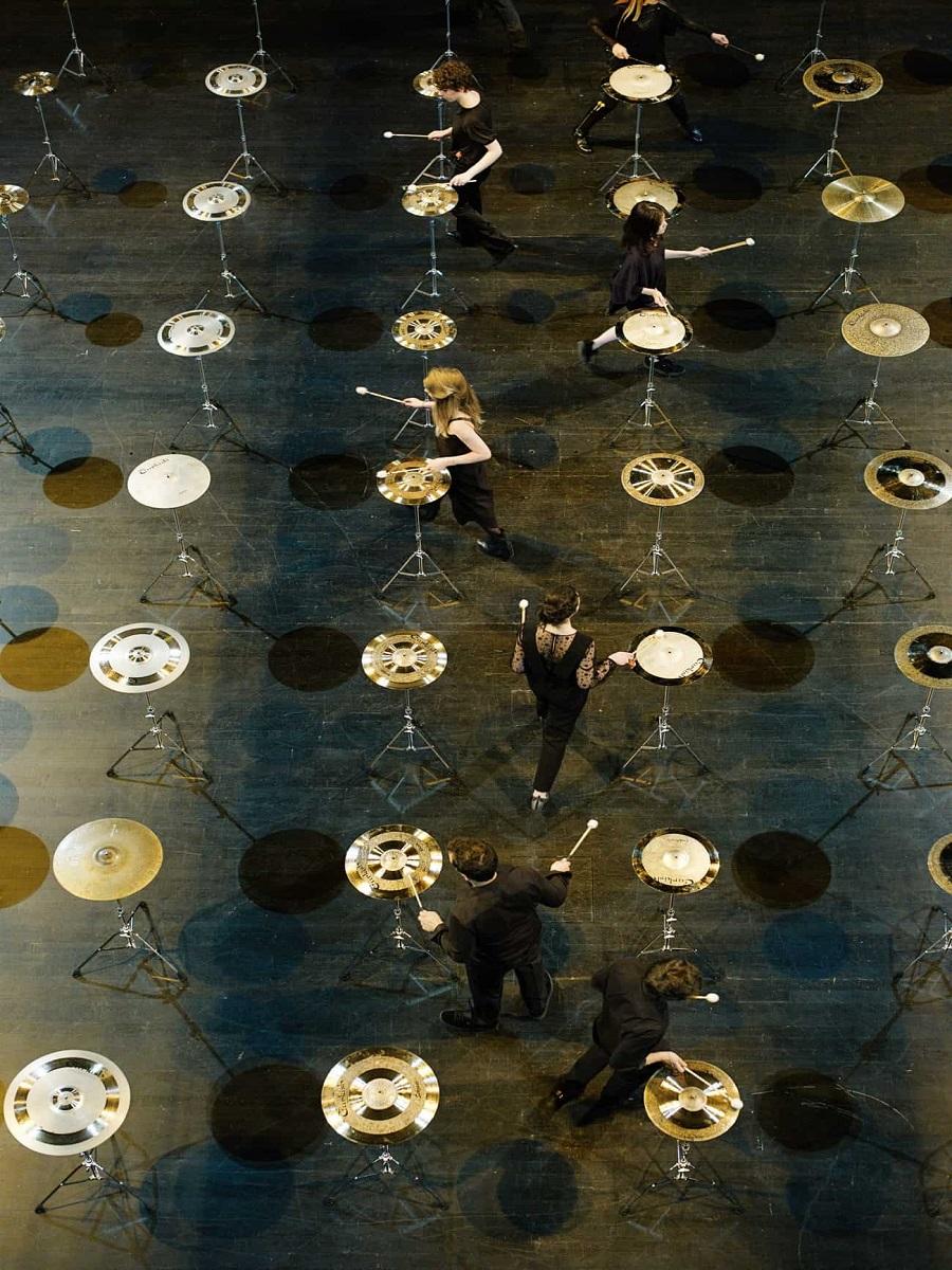 100 cymbals